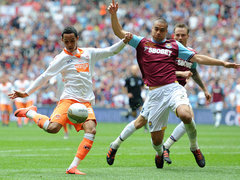 Thomas-Tom-Ince-Blackpool-Championship-Play-Off-Final.jpg